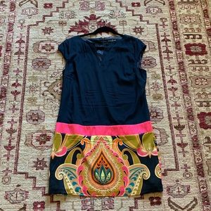 Guess by Marciano Beautiful silk dress
